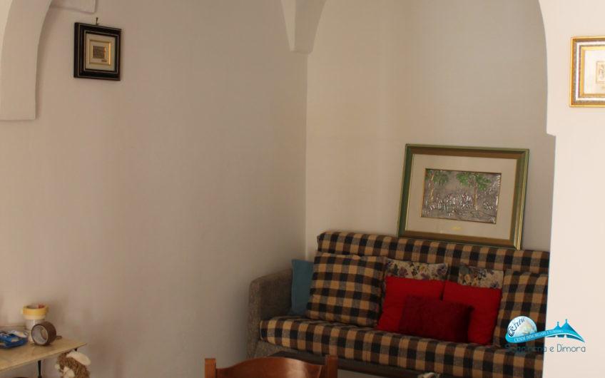 Casa indipendente con doppia entrata