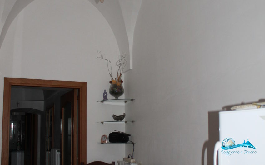 Casa al piano rialzato ristrutturata