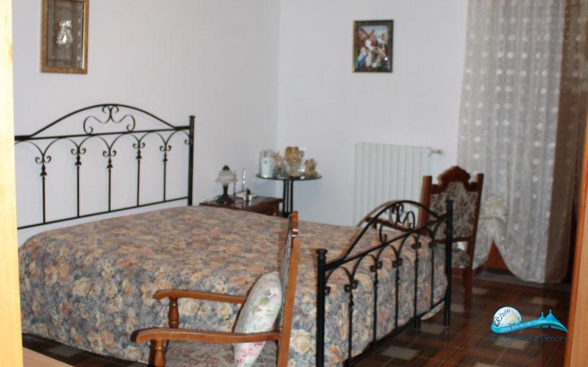 Appartamento con 3 camere da letto + garage comunicante