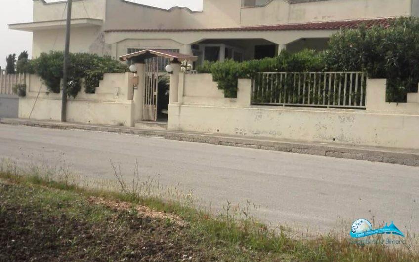 Villa indipendente e garage