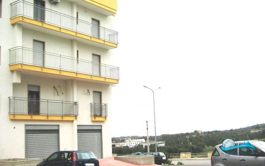 Appartamento al 2^piano con garage